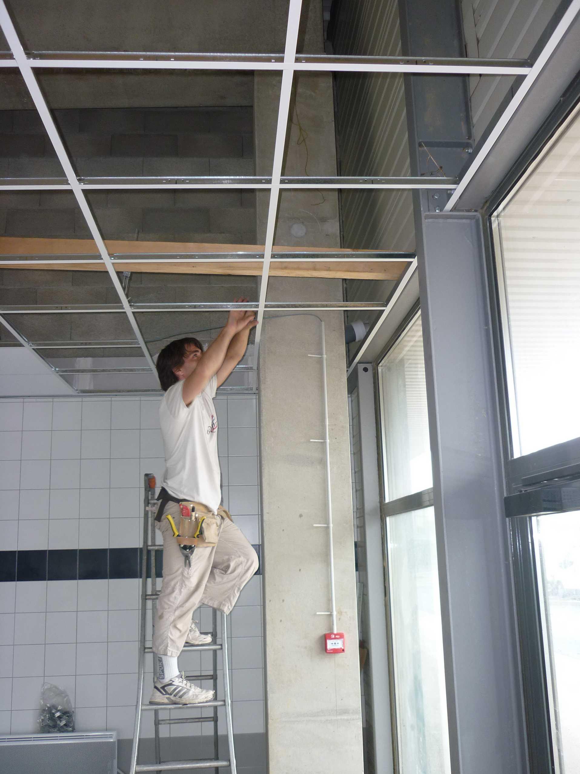 Am nagement d un garage speedy bruno geli architecte for Faire faux plafond garage